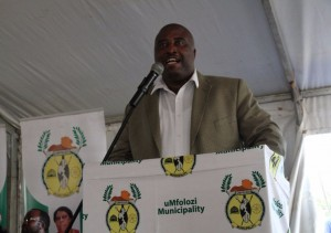 Mayor, Cllr Smanga Mgenge delivering his address at the IDP Budget road show.